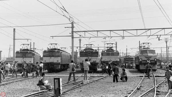 【懐かしの国鉄写真】国鉄末期の機関区一般公開 機関車たちの晴れ姿を撮る