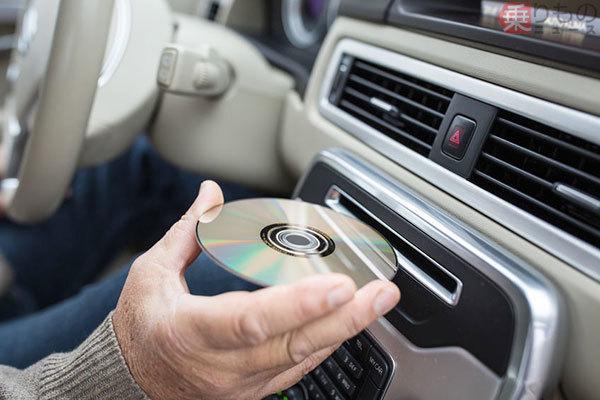 新車から消えるCD/DVDプレーヤー もはや不要なのか? 新型「カローラ」にもなし