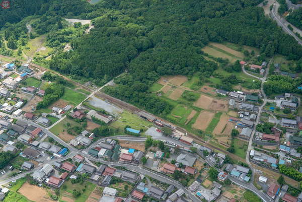【空から撮った鉄道】1067mmと762mm軌間の路線が存在する三岐鉄道 両線を交互に撮る