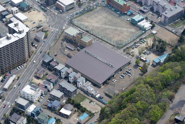 【空から撮った鉄道】札幌市電の特徴的なところ 路線だけでなく車庫も線路が周回