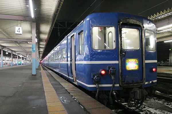 北海道を走るJR最後の急行、存続へ | 乗りものニュース