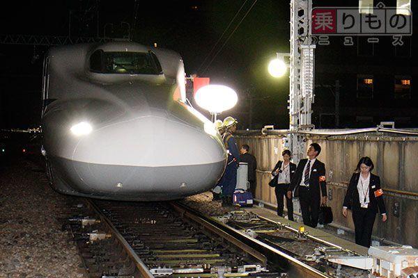 Large 150529 shinkansen 01