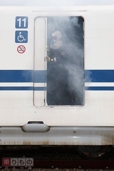 Large 151230 shinkansen 01
