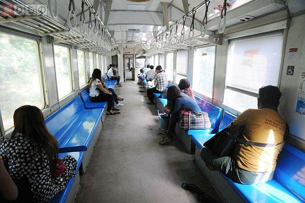 日本の中古鉄道車両、なぜミャンマーで愛される? 車内に日の丸も ...
