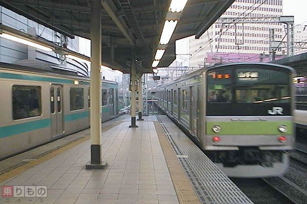 Large 160608 yamanote 03