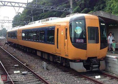 Large 160613 kintetsuyunoyama 01