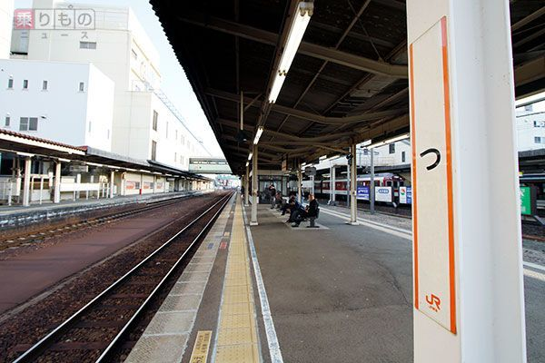 Large 161208 tsueki 01