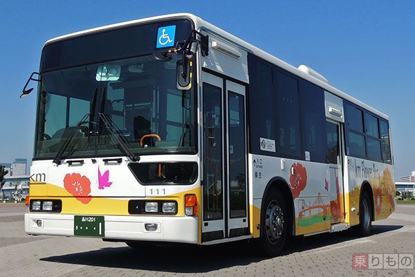 Large 170214 kmflowerbus 01