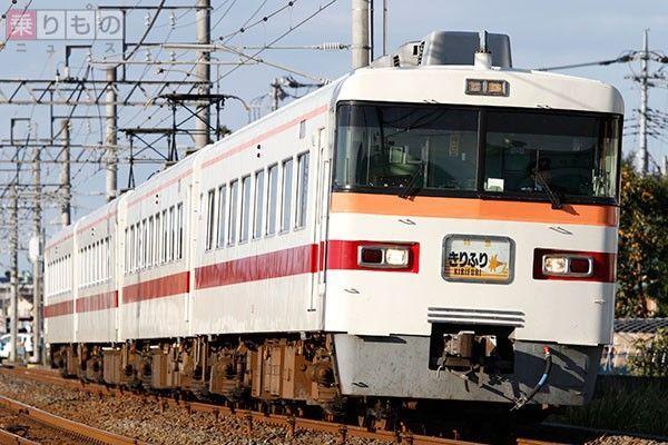 Large 170328 tobu300 01