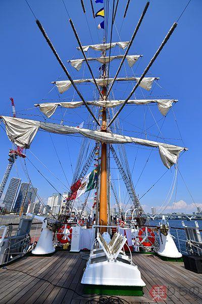 Large 170911 sail 02