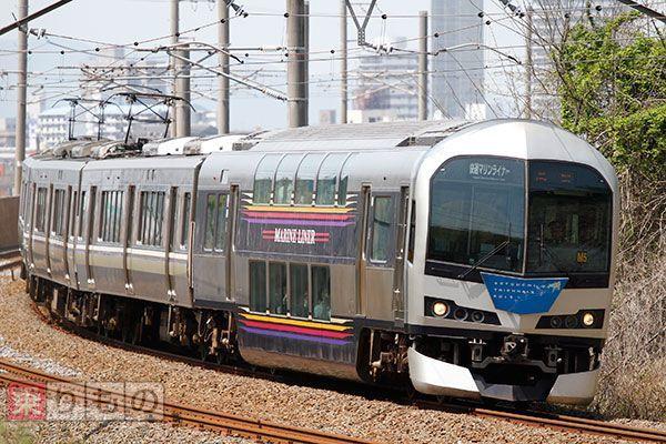 Large 180822 jrshikoku 01