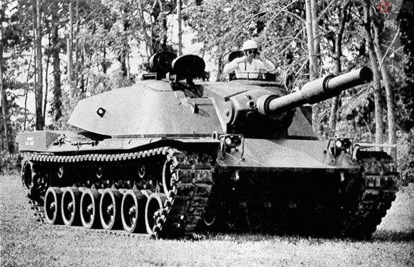Large 181218 tank 02