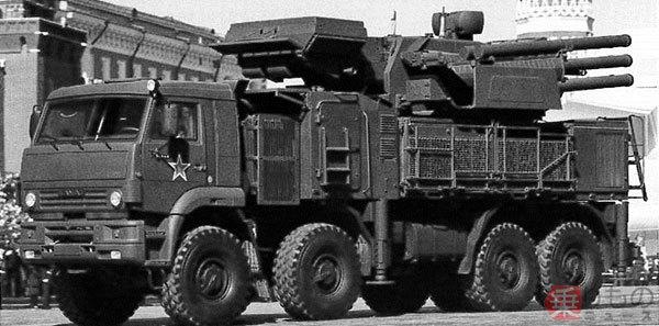 Large 181218 tank 13