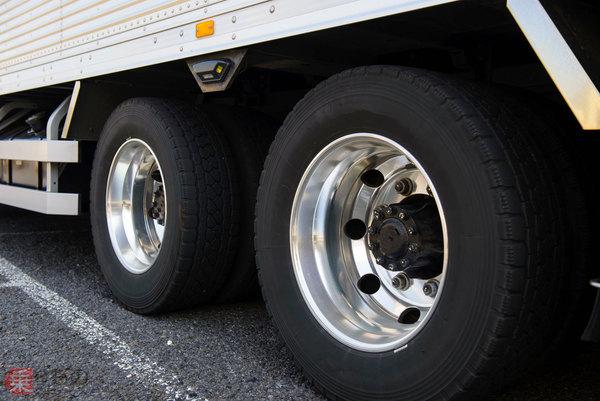 Large 190116 tire 01