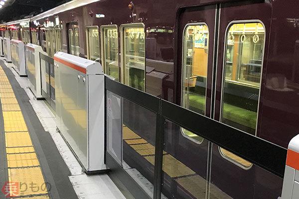 Large 190130 hankyu13door 01