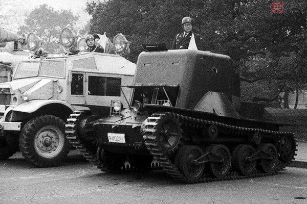 Large 190212 tank 03