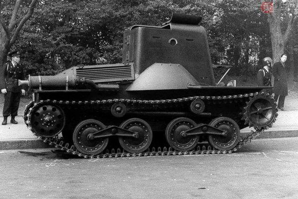 Large 190212 tank 04