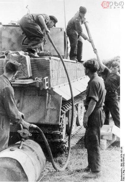 Large 190226 tank 07