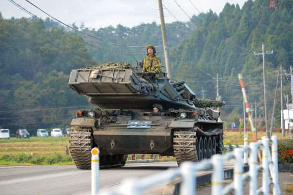 Large 190610 tank 02