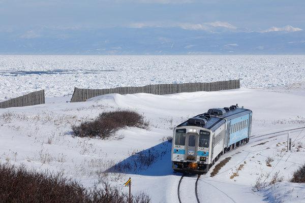 冬におすすめ「絶景鉄道路線」5選 雪景色 流氷 迫力の海… ローカル線 ...