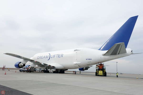 Large 200212 747lcf 03