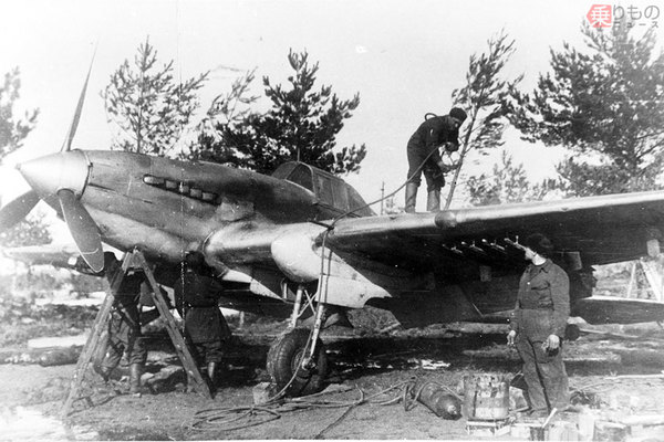 Large 200518 warplane 01