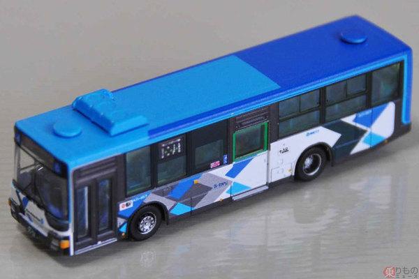 Large 200611 tomytecbus 01