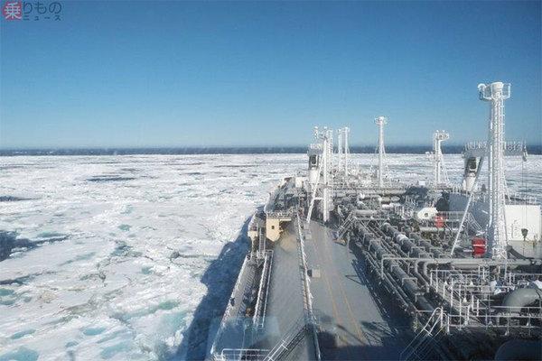 北極海航路で日本初入港「砕氷LNG船」 ロシア最果て発 南回りより距離 ...