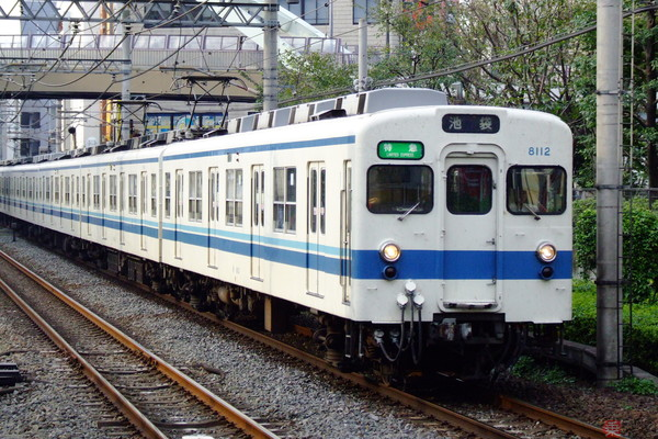 Large 201222 tobu8000 01