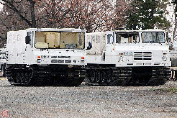 Large 210107 snowcat 01