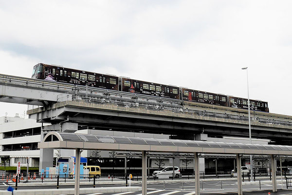 Large 210329 monorail 01